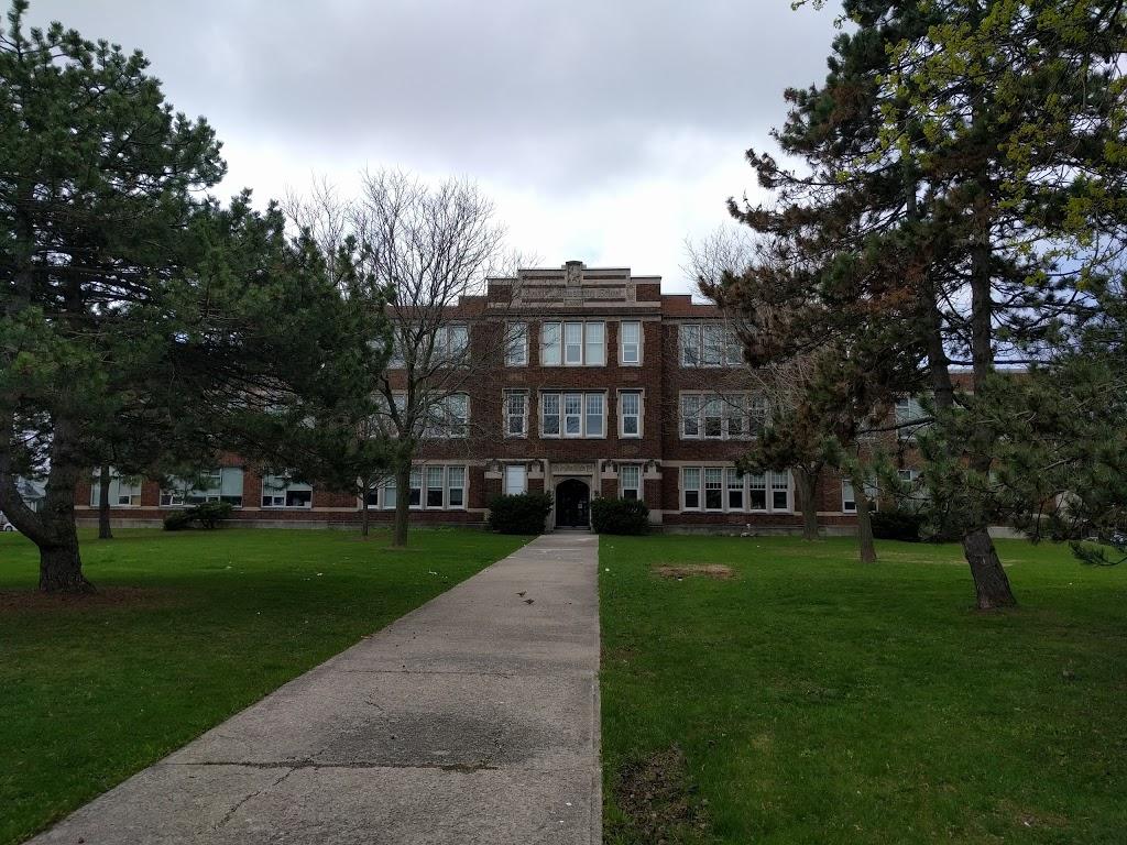 George L Armstrong School | school | 460 Concession St, Hamilton, ON L9A 1C3, Canada | 9053855337 OR +1 905-385-5337