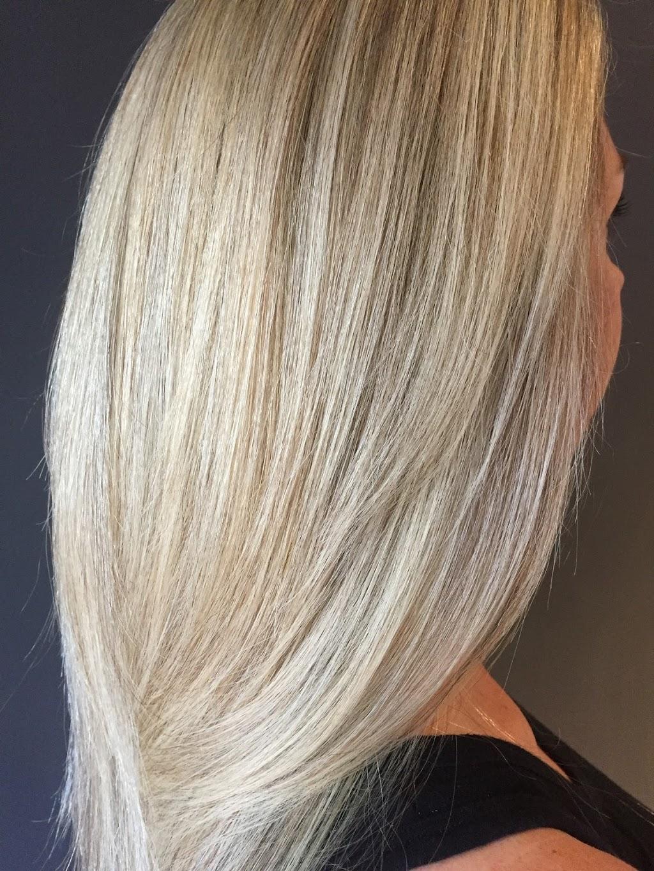 Salon K | hair care | 1112 Dundas St W, Toronto, ON M6J 1X2, Canada | 6472876454 OR +1 647-287-6454