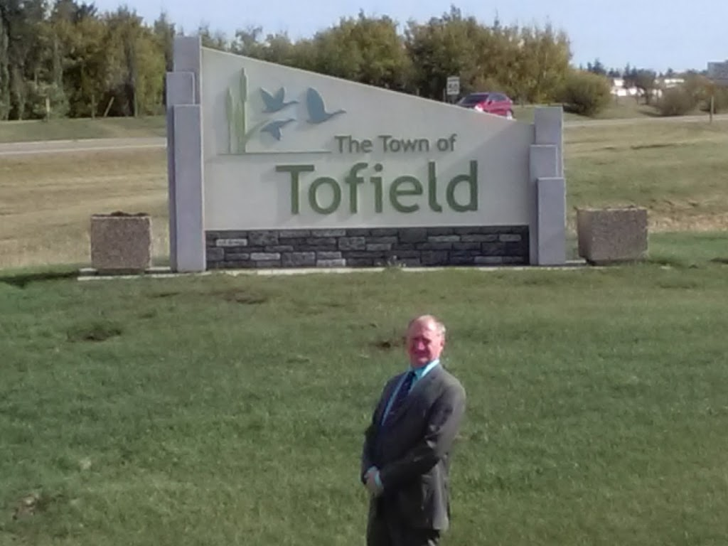 Tofield Golf Course | point of interest | 19110 AB-14, Tofield, AB T0B 4J0, Canada | 7806623457 OR +1 780-662-3457