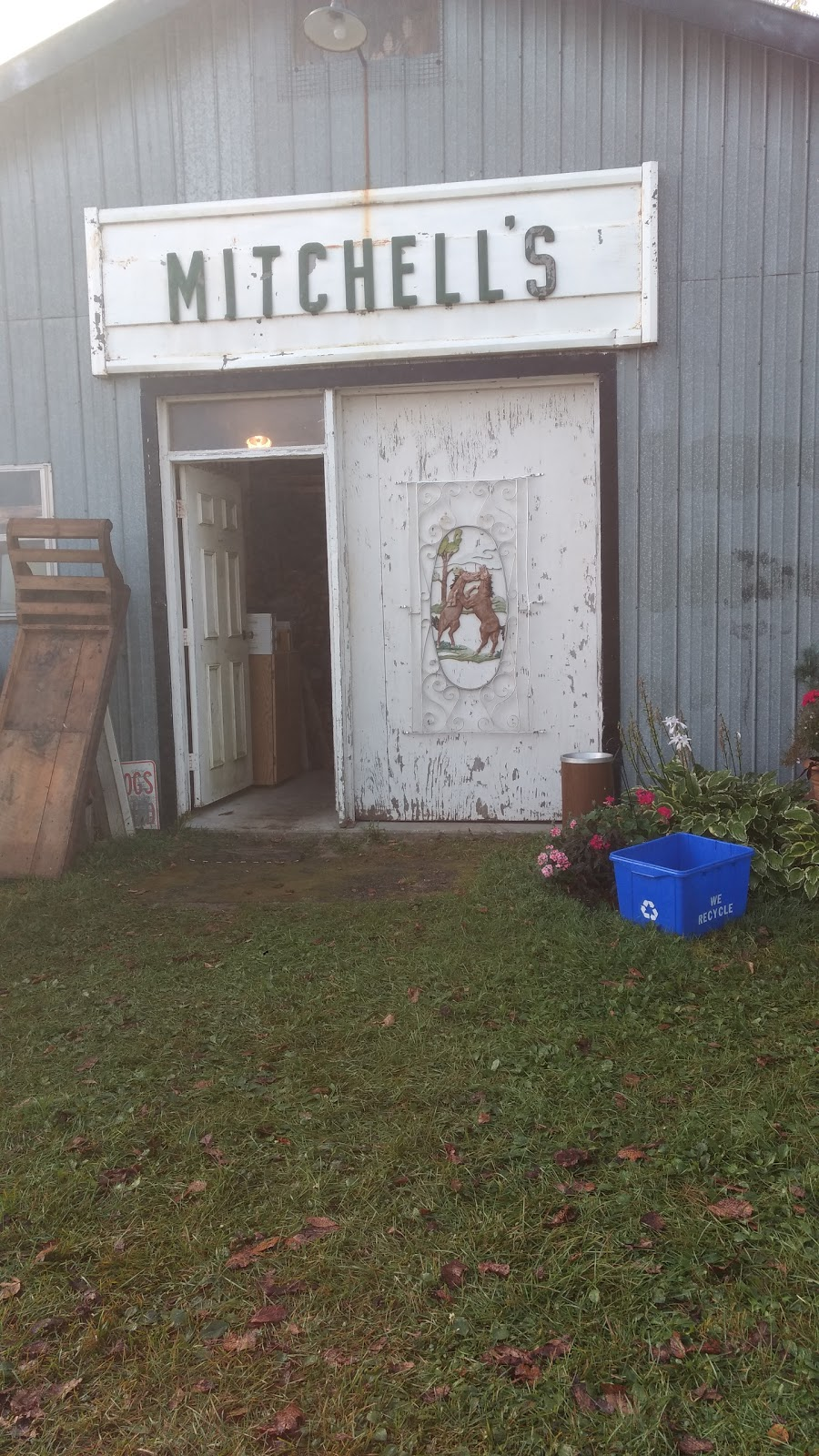 Doug Mitchell Auctions   point of interest   60 Yankee Line, Omemee, ON K0L 2W0, Canada   7057996769 OR +1 705-799-6769