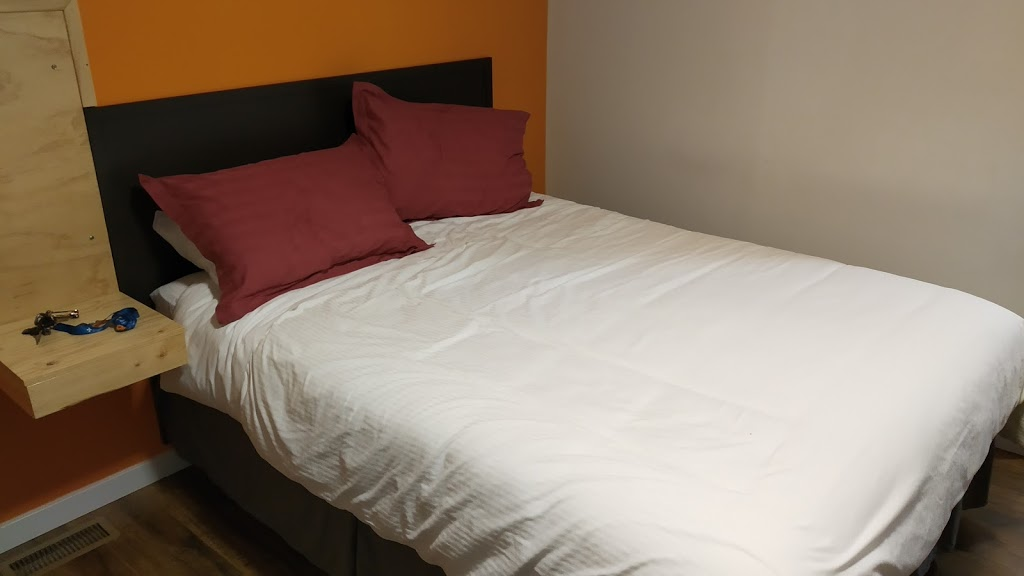 Motel Happy Salmon | lodging | 6410 Trans-Canada Hwy, Canoe, BC V0E 1K0, Canada | 6047516220 OR +1 604-751-6220