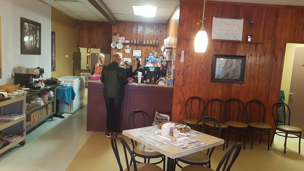 Restaurant Lyra   restaurant   490 Rue Saint-Jacques, Napierville, QC J0J 1L0, Canada   4502450000 OR +1 450-245-0000