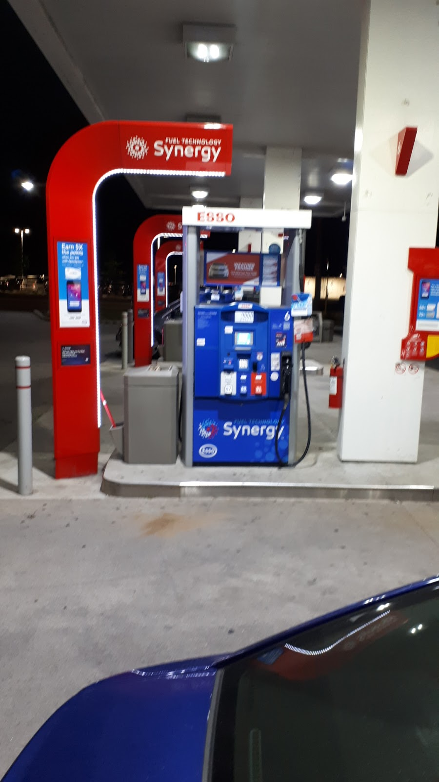 ESSO CIRCLE K | gas station | 917 Upper James St, Hamilton, ON L9C 3A3, Canada | 9055384685 OR +1 905-538-4685