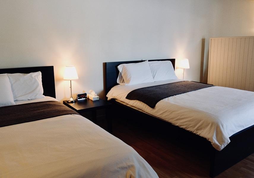 Maison Chez Laurent | convenience store | 1493 Boulevard Mgr de Laval, Baie-Saint-Paul, QC G3Z 2X6, Canada | 4184353895 OR +1 418-435-3895