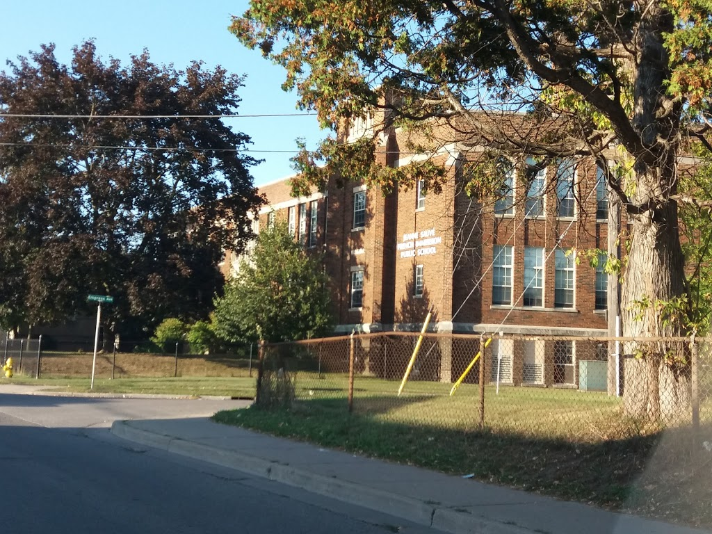 Jeanne Sauvé French Immersion Public School | school | 215 Wharncliffe Rd N, London, ON N6H 2B6, Canada | 5194528250 OR +1 519-452-8250