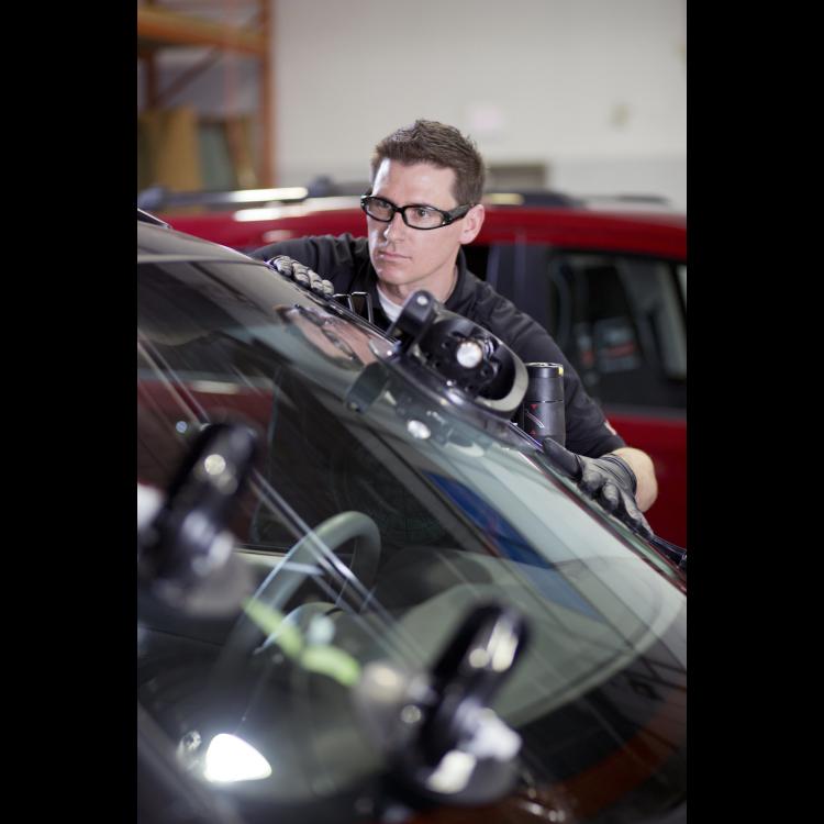 Speedy Glass   car repair   1002 Nairn Ave, Winnipeg, MB R2L 0Y2, Canada   2046685673 OR +1 204-668-5673