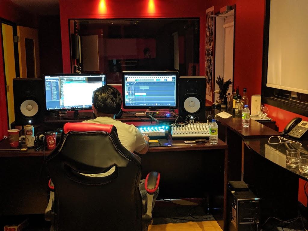 Zeffir Studios | electronics store | 4886 Boulevard Sainte-Rose, Laval, QC H7R 2B7, Canada | 4389954032 OR +1 438-995-4032