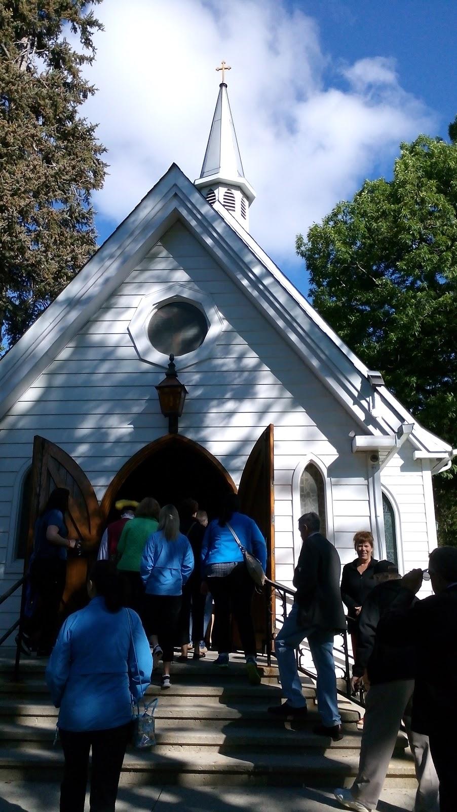 St. Lukes Anglican Church   church   1382 Ontario St, Burlington, ON L7S 1G1, Canada   9056341826 OR +1 905-634-1826