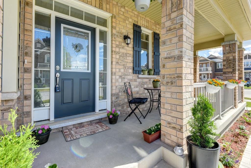 Hiba Rizvi - Urban Suburban Living   real estate agency   251 North Service Rd W, Oakville, ON L6M 3E7, Canada   6478294410 OR +1 647-829-4410