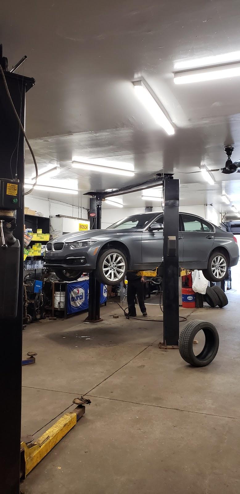 Garage Sport CDN inc. | car repair | 8 Place Legault, Mont-Royal, QC H4P 1Y1, Canada | 5147387433 OR +1 514-738-7433