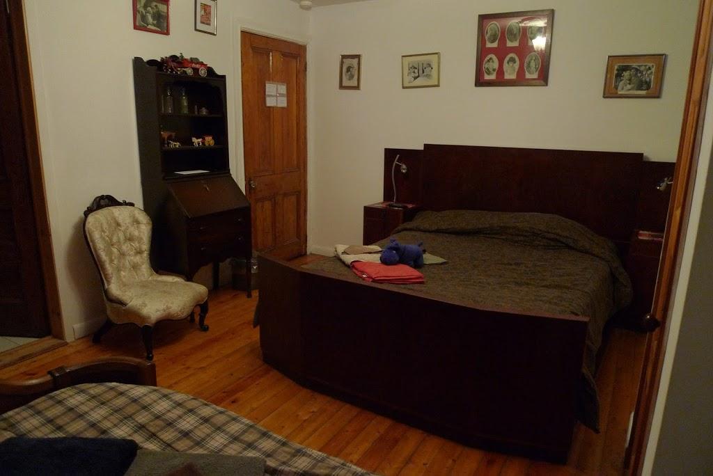 Alacoque B & B Revolution | lodging | 2093 Rue Saint-Urbain, Montréal, QC H2X 2N1, Canada | 5148420938 OR +1 514-842-0938