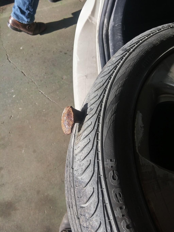 Auto Centre At The Bay | car repair | 450 Portage Ave, Winnipeg, MB R3C 0E7, Canada | 2047741594 OR +1 204-774-1594