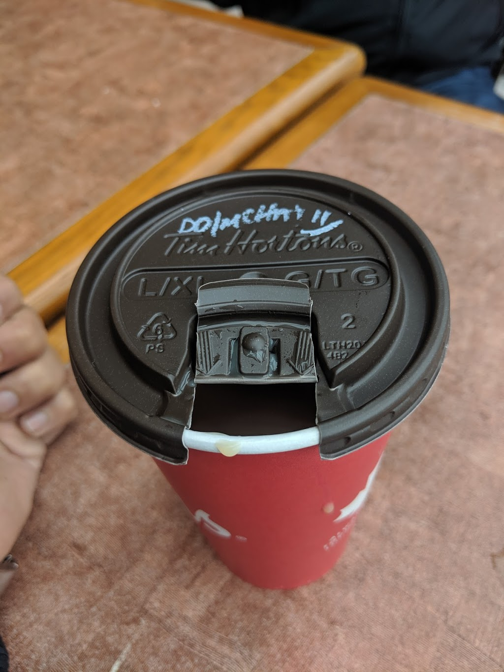 Tim Hortons | cafe | 620 S Service Rd, Stoney Creek, ON L8E 2W1, Canada | 9056431508 OR +1 905-643-1508