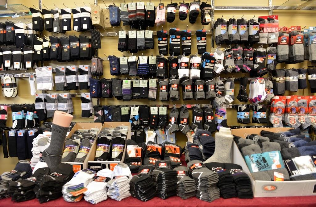 Univers du Bas(L) | clothing store | 1750 Rue du Périgord, Québec, QC G1G 5X3, Canada | 4188036200 OR +1 418-803-6200
