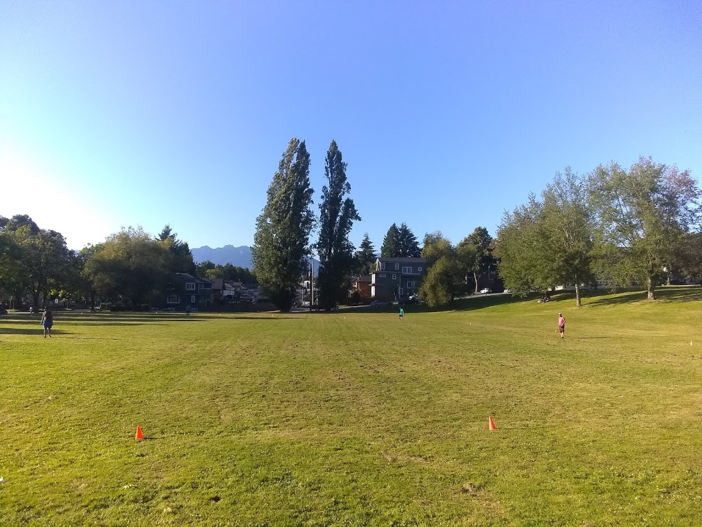 Earles Park   park   2801 E 41st Ave, Vancouver, BC V5R 2X4, Canada   6042578850 OR +1 604-257-8850