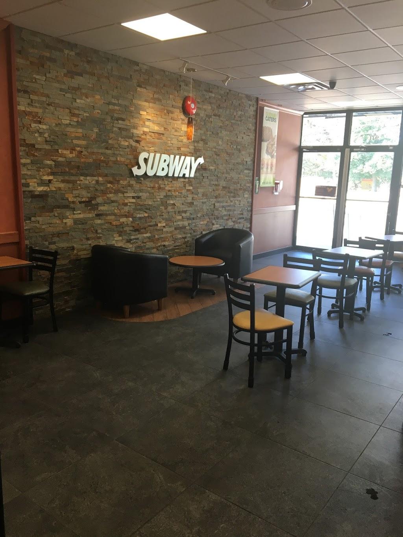 Subway   restaurant   911 Jane St, York, ON M6N 4C6, Canada   4167631414 OR +1 416-763-1414