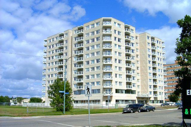 Broadway Terrace | health | 1150 Broadway Ave, Regina, SK S4P 4V3, Canada | 3065641200 OR +1 306-564-1200