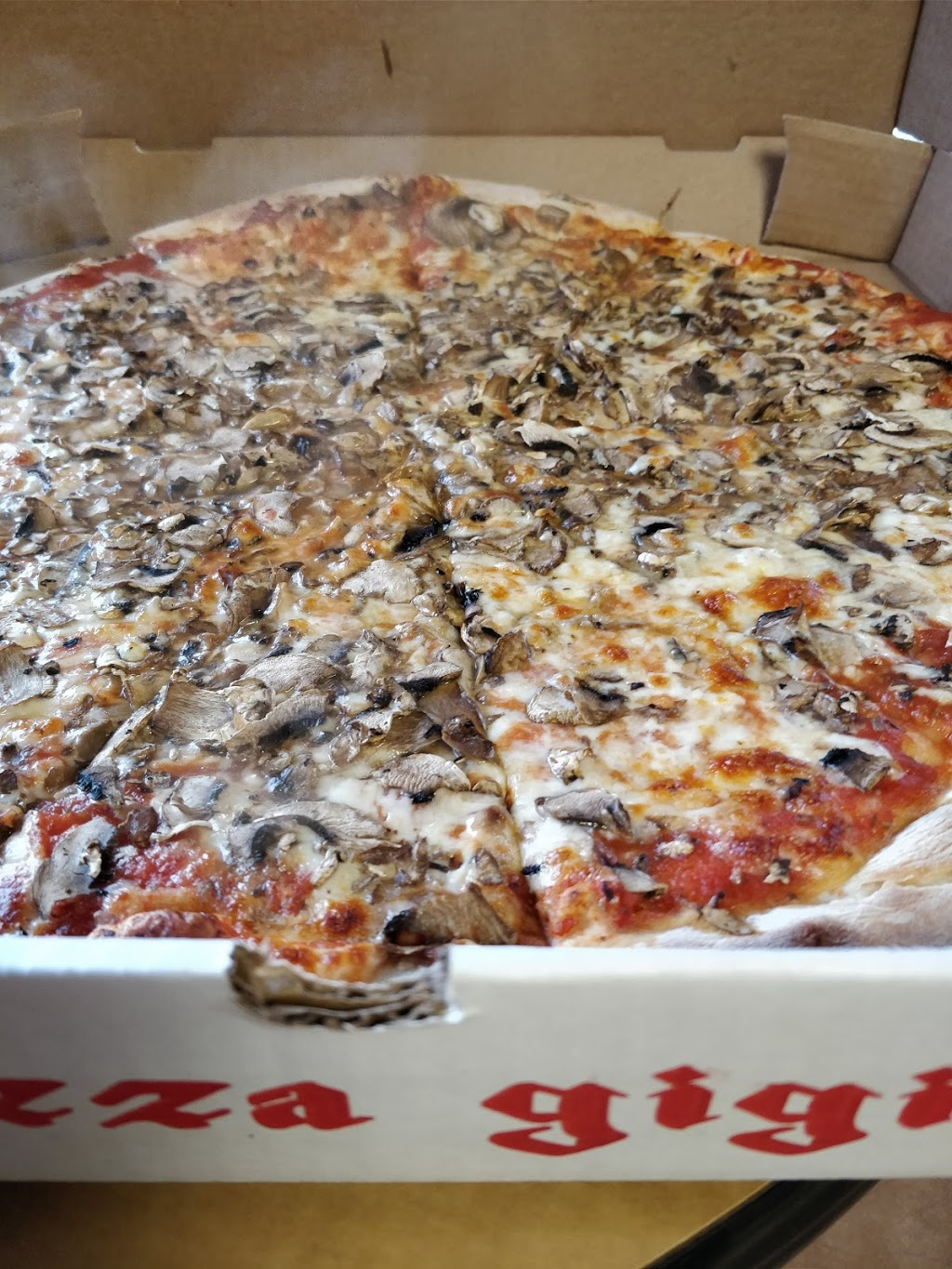 Pizza Gigi | meal delivery | 189 Harbord St, Toronto, ON M5S 1H5, Canada | 4165354444 OR +1 416-535-4444