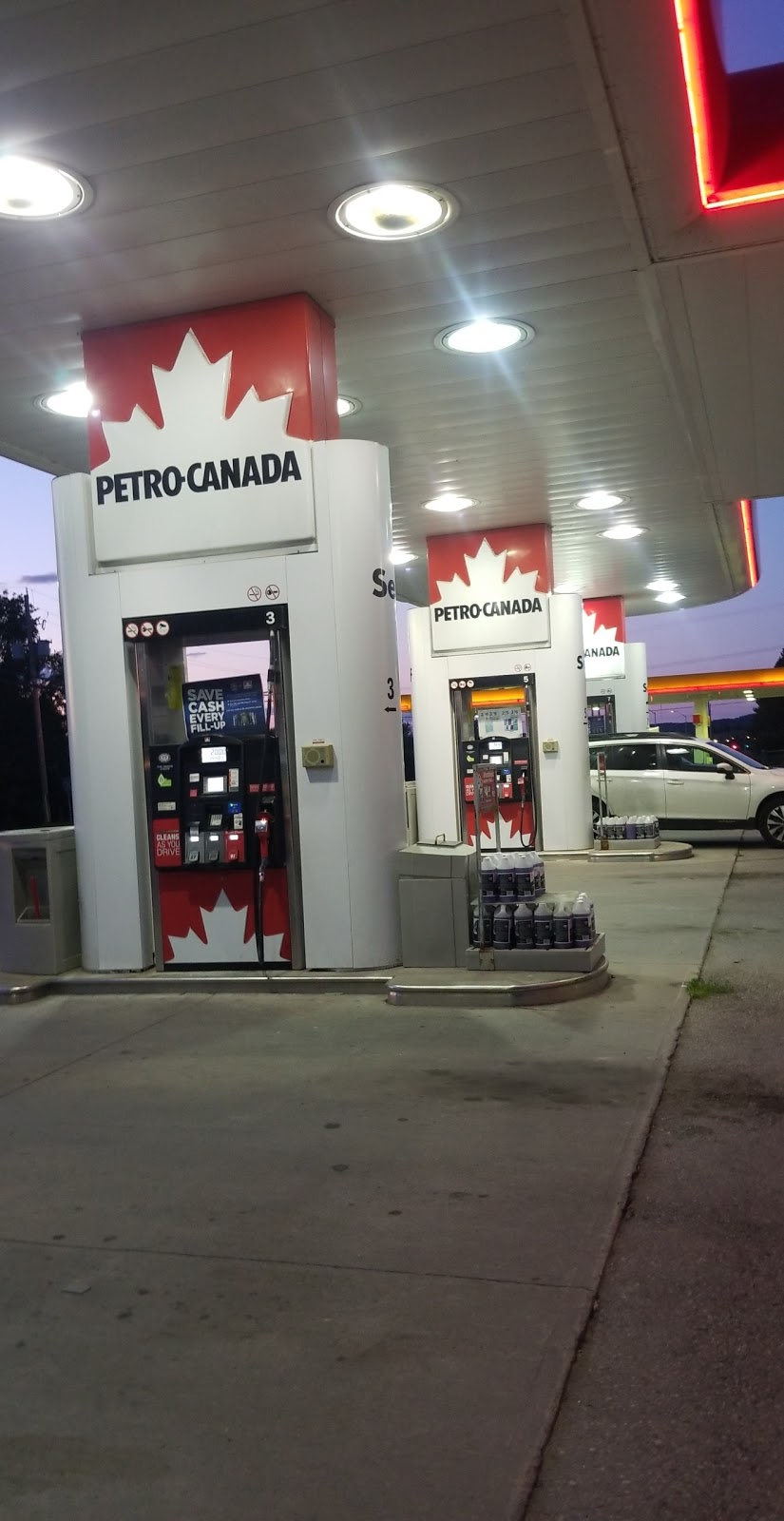 Petro-Canada | convenience store | 363 Ontario St, Port Hope, ON L1A 2W4, Canada | 9058858066 OR +1 905-885-8066