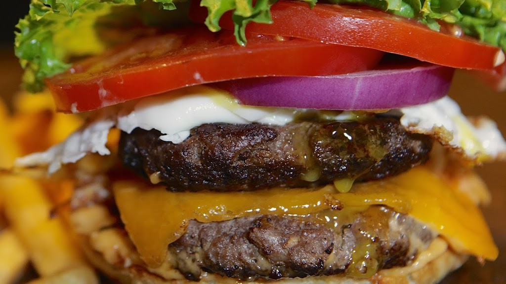 Real Burger | restaurant | 94 Dundas St E, Waterdown, ON L0R 2H2, Canada | 9056893111 OR +1 905-689-3111