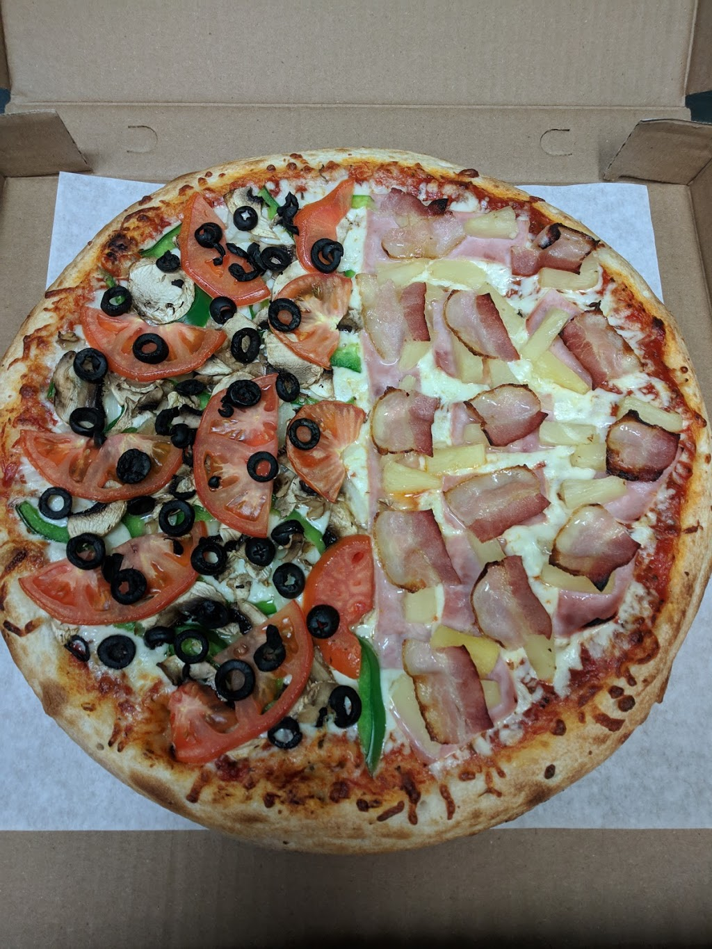 Peters Pizza & Golden Foods Ltd | restaurant | 22 OLeary Ave, St. Johns, NL A1B 2C7, Canada | 7097388888 OR +1 709-738-8888