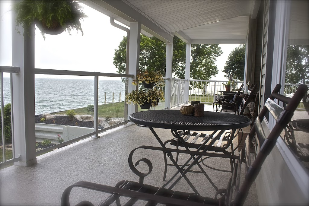 Lakeside Porch & Pillow   lodging   123 Adelaide St, Harrow, ON N0R 1G0, Canada   5198197154 OR +1 519-819-7154
