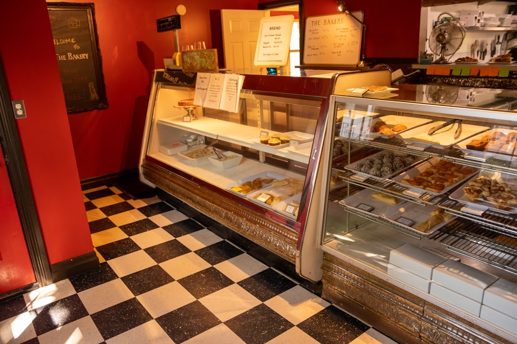 The Bakery - Pelee Island | restaurant | 5 N Shore Rd, Pelee Island, ON N0R 1M0, Canada | 5197242321 OR +1 519-724-2321