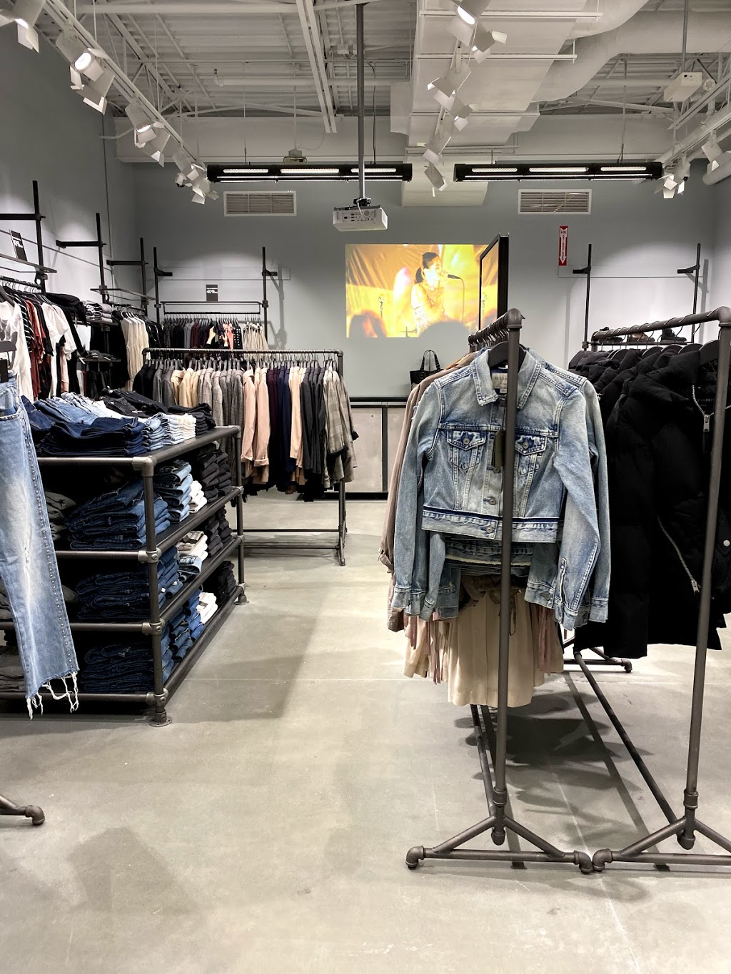 AllSaints Vancouver Outlet | clothing store | 7899 Templeton Station Rd Space 160, Richmond, BC V7B 0B7, Canada | 6049013700 OR +1 604-901-3700