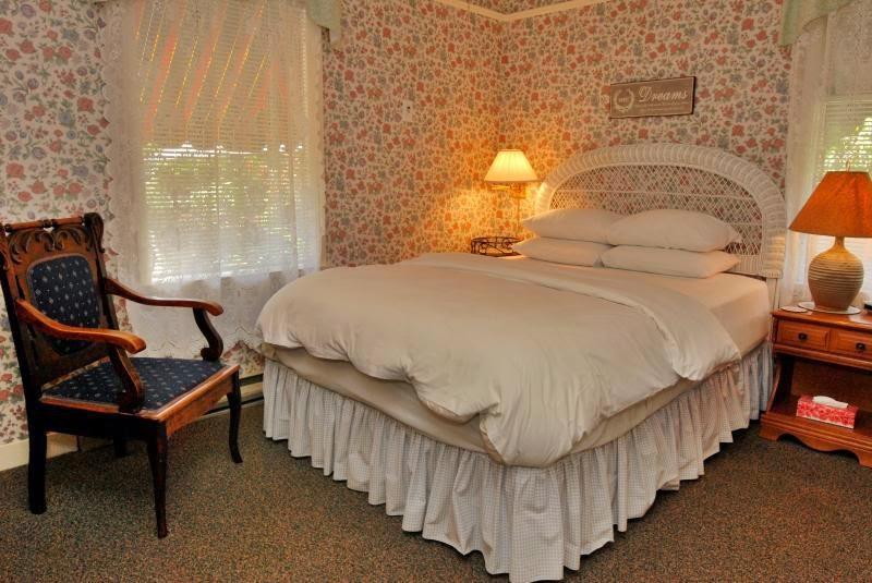 Heathergate House Vacation Rental | lodging | 122 Simcoe Street, Victoria, BC V8V 1K4, Canada | 2503830068 OR +1 250-383-0068