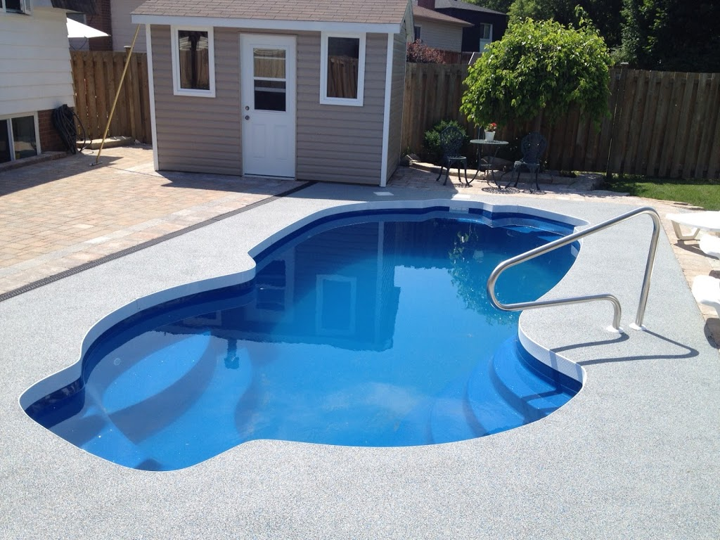 Claudettes Pools and Hot Tubs | store | 128 Wilson Rd S #3, Oshawa, ON L1H 6C1, Canada | 9057259292 OR +1 905-725-9292