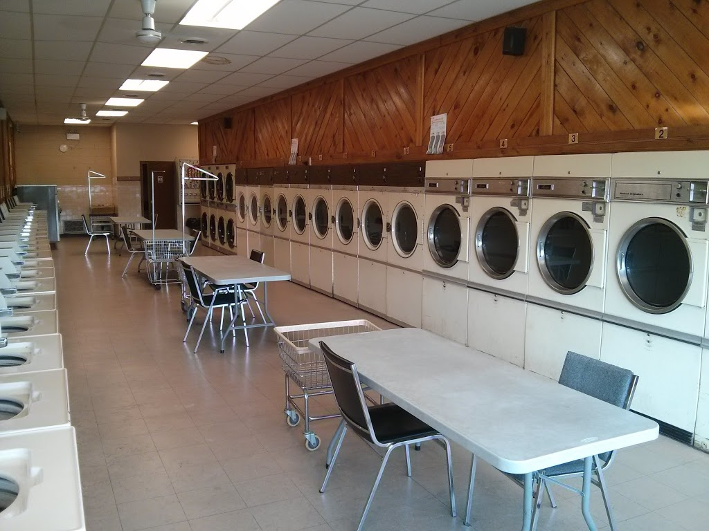 Highlander Dry Cleaning And Laundromat Center | laundry | 340 Thorold Rd, Welland, ON L3C 3W6, Canada | 9057351271 OR +1 905-735-1271