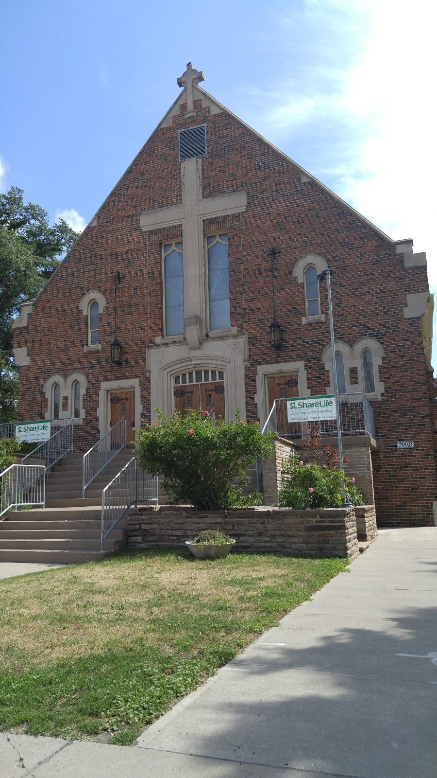 Holy Cross Church   church   291 Cosburn Ave, East York, ON M4J 2M4, Canada   4164215225 OR +1 416-421-5225