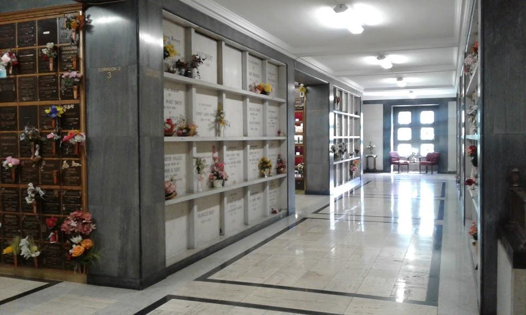 Bayview Cemetery & Mausoleum | cemetery | 740 Spring Gardens Rd, Burlington, ON L7T 1J3, Canada | 9055225466 OR +1 905-522-5466