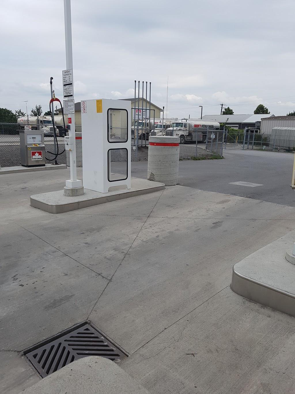 Petro-Pass Truck Stop | car wash | 190 Wentworth St E, Oshawa, ON L1H 3V5, Canada | 9057233742 OR +1 905-723-3742