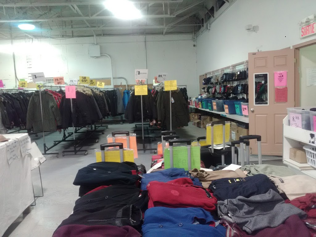 Méga Vente dEntrepôt | clothing store | 120 Boulevard Saint-Joseph, Lachine, QC H8S 2L3, Canada | 5146371116 OR +1 514-637-1116