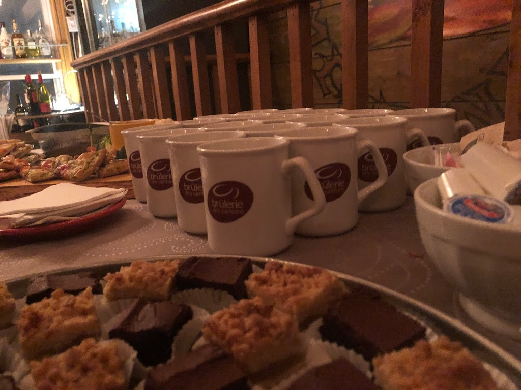 Shad Café | cafe | 309 Rue Notre Dame E, Victoriaville, QC G6P 4A4, Canada | 8197510848 OR +1 819-751-0848