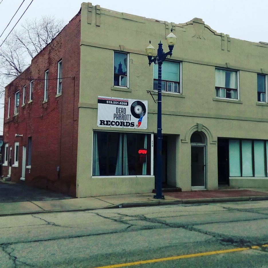 Dead Parrott Records | electronics store | 950 Ottawa St, Windsor, ON N8X 2E1, Canada | 5195516268 OR +1 519-551-6268