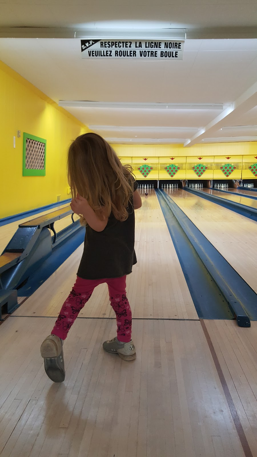 Salle De Quilles Tremblay | bowling alley | 960 Avenue de lUnion, Saint-Césaire, QC J0L 1T0, Canada | 4504692872 OR +1 450-469-2872