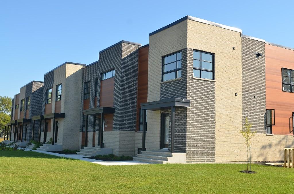 Quartier Vauquelin 2   point of interest   700 Boul Vauquelin, Saint-Hubert, QC J3Y 3Y5, Canada   4506790700 OR +1 450-679-0700