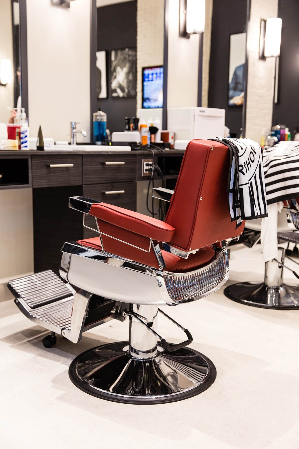 Ashby Grove   hair care   435 Stone Rd W Unit Z32, Guelph, ON N1G 2X6, Canada   5198375500 OR +1 519-837-5500