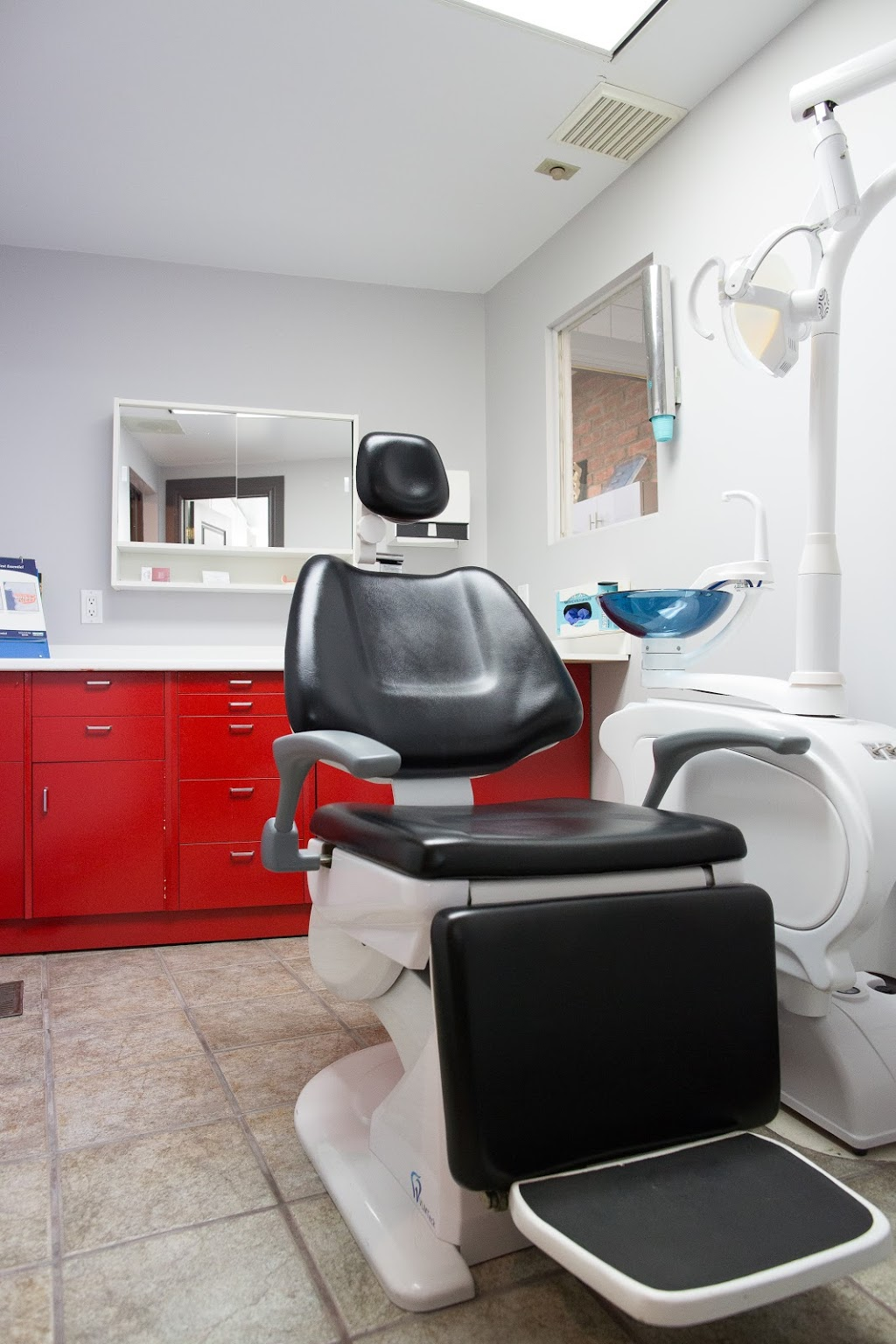 Les Centres Dentaires Sirois - Prothèses Dentaires - Limoilou &  | dentist | local 100, 51 Rue Marie-de-lIncarnation, Québec, QC G1N 3E5, Canada | 4185276449 OR +1 418-527-6449