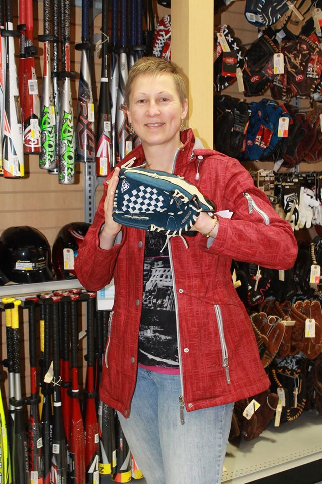 Au Grand Bazar La Source Du Sport | clothing store | 1141 Rue Principale, Granby, QC J2J 0M3, Canada | 4503782022 OR +1 450-378-2022