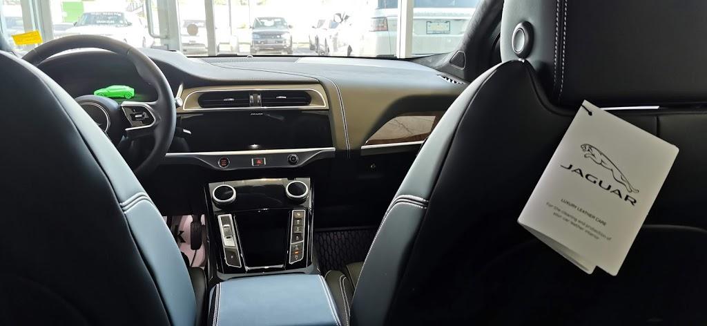 Jaguar Metro West   car dealer   610 Kipling Ave, Etobicoke, ON M8Z 5G1, Canada   4162521010 OR +1 416-252-1010