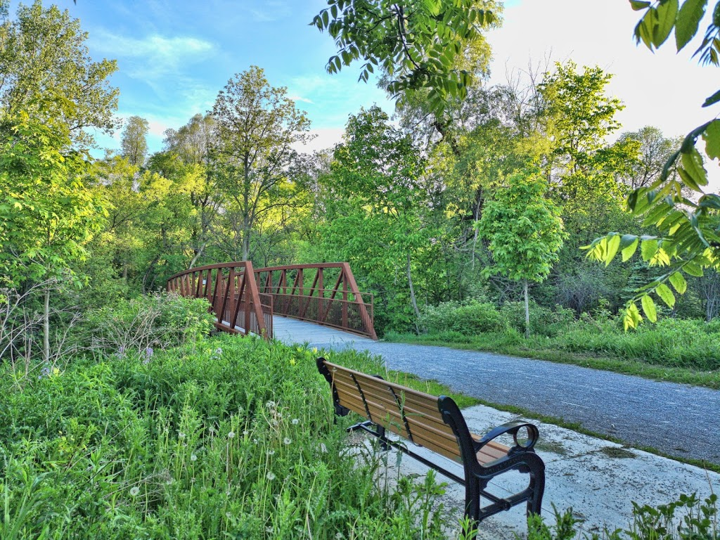 Nature Therapy Trail | park | Tuclor Ln, Markham, ON L3P 3C6, Canada