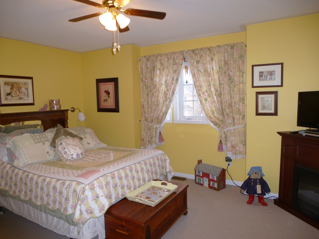 Strawberry Suite Bed & Breakfast | lodging | 763 Greystone Ct, Oshawa, ON L1K 2V1, Canada | 8775817766 OR +1 877-581-7766