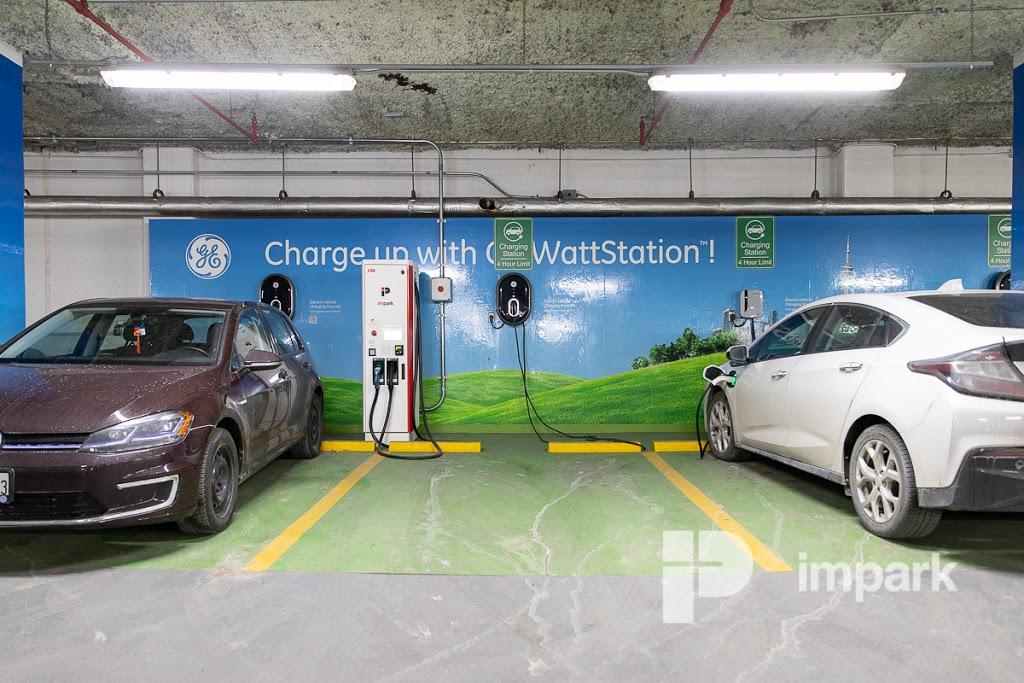 Edison Centre Parking - Lot #380 | parking | 2345 Yonge St, Toronto, ON M4P 2E5, Canada | 4163691801 OR +1 416-369-1801