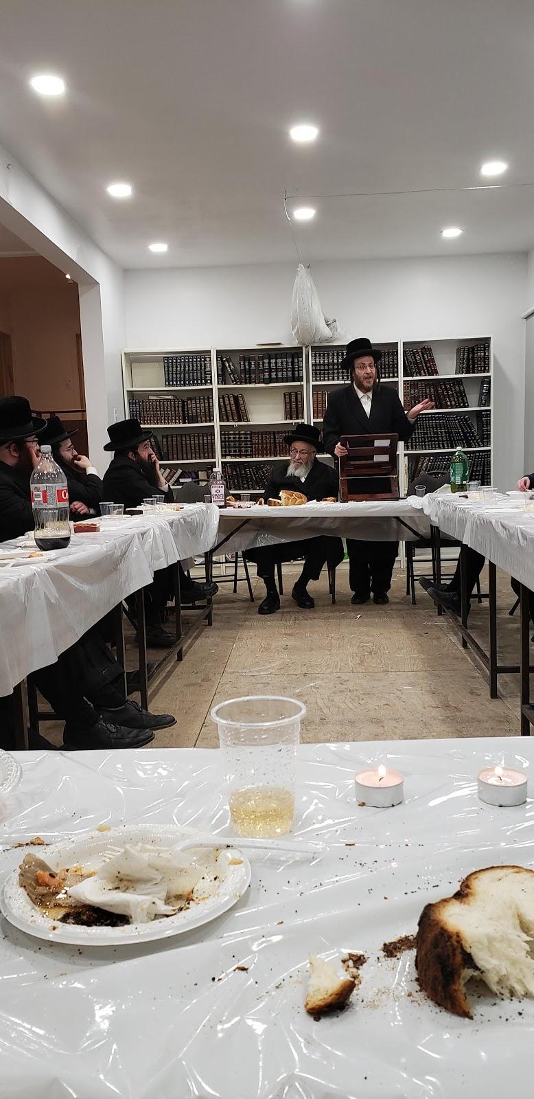Congregation Belz orthodox synagogue | museum | 5750 Avenue Hudson, Côte Saint-Luc, QC H4W 2K7, Canada