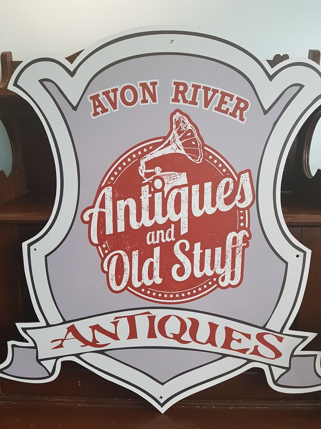 Avon River Antiques | home goods store | 40 Water St, Windsor, NS B0N 2T0, Canada | 9027981281 OR +1 902-798-1281