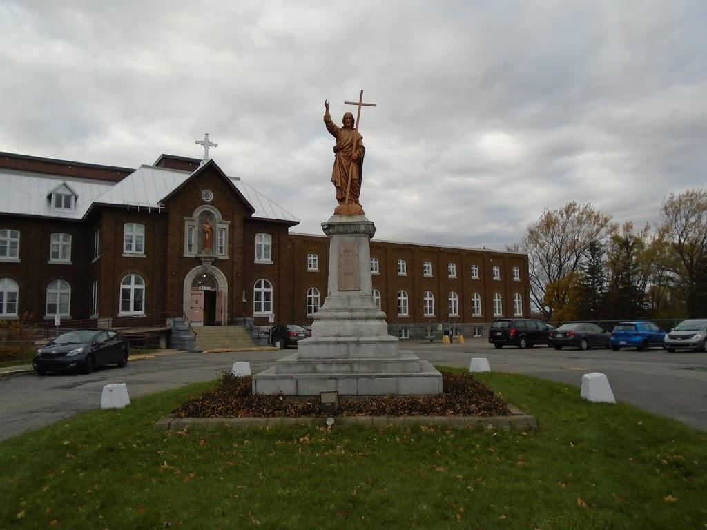 Sanctuary of the Sacred Heart   church   3650 De La Rousselière, Pointe-aux-Trembles, QC H1A 2X9, Canada   5146425391 OR +1 514-642-5391