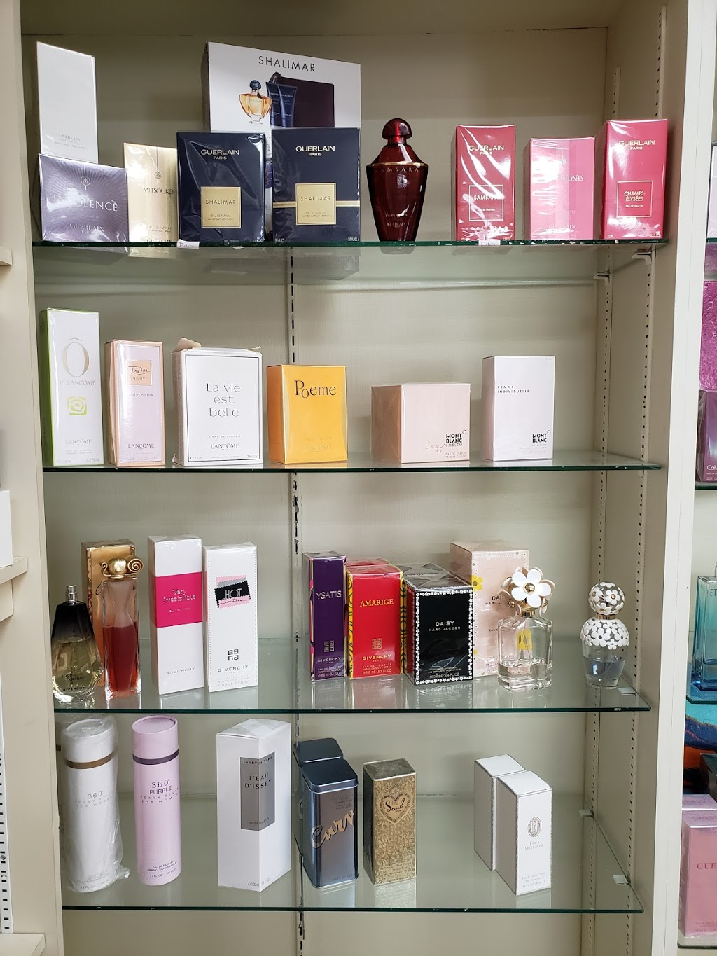Perfume Factory | clothing store | 393 York Rd, Niagara-on-the-Lake, ON L0S 1J0, Canada | 9056856666 OR +1 905-685-6666